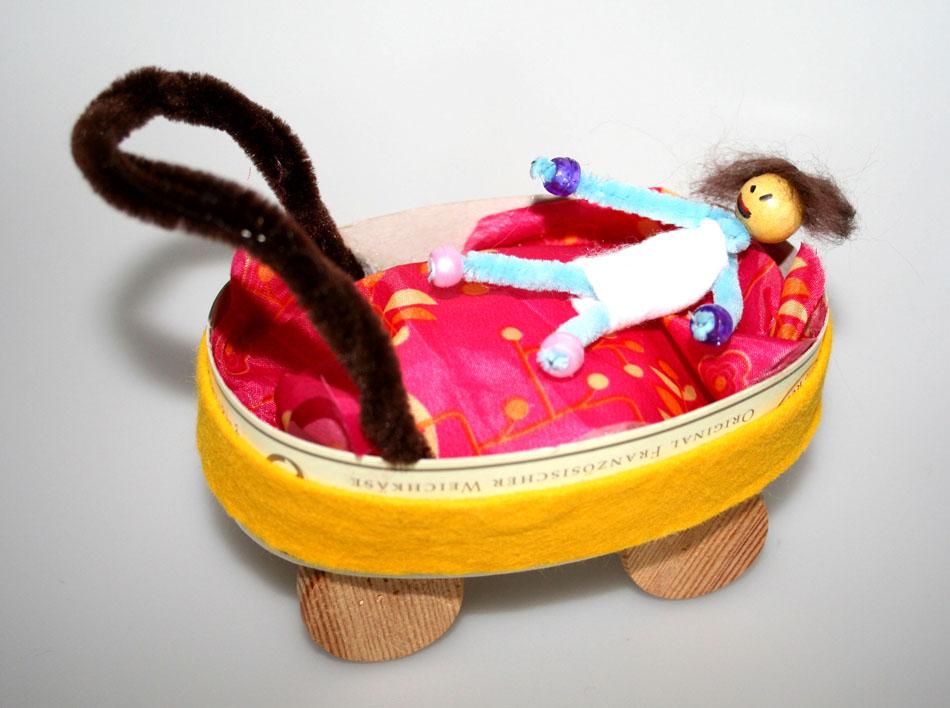 Kinderwagen mit Baby von Adriana (6)